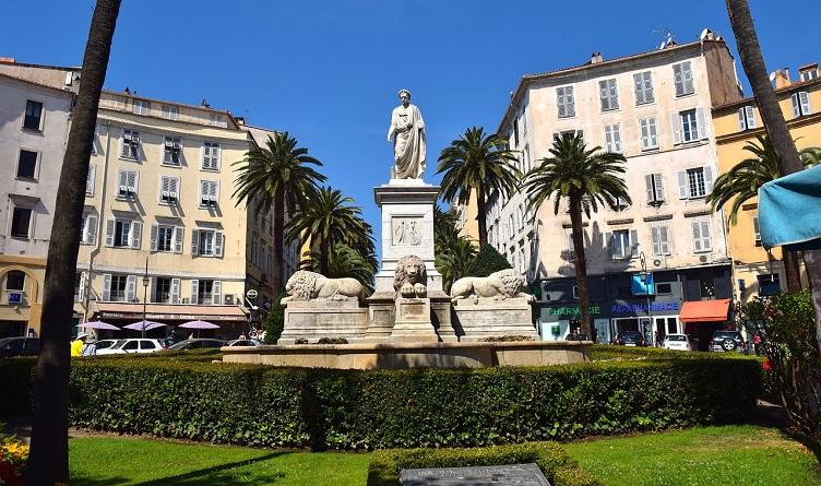 Ajaccio - Pomnik Napoleona